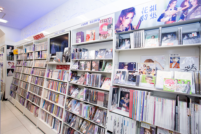 有楽町駅前店6