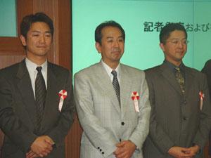 倉運営責任者:奥井力也(右から1番目)